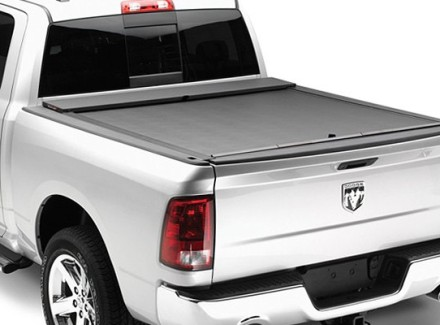 roll-n-lock-m-series-tonneau-cover-closed_1